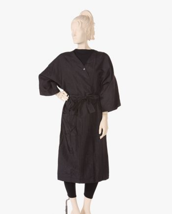 Wholesale hairdressing gowns in a range of colors and styles